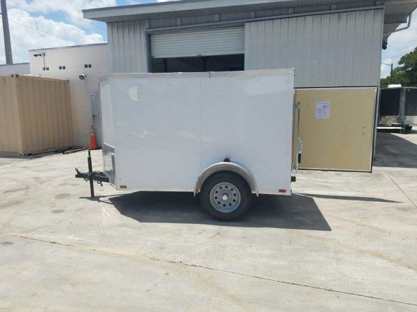 5x8 SA Trailer - White, Single Barn Door, Side Vents