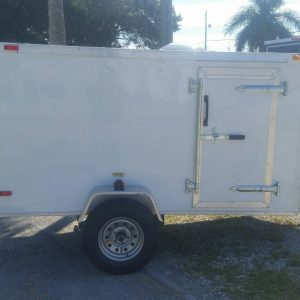 4x8 SA Trailer - White, Single Door, Side Door, and Roof Vent