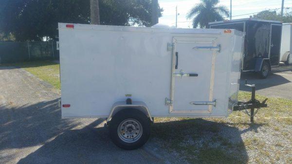 4x8 SA Trailer - White, Single Door, Side Door, and Roof Vent